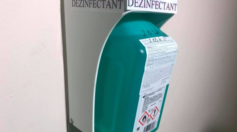 dezinfectant in scara de bloc